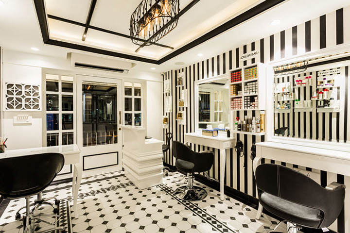 black-and-white-flooring-there-she-glows-sumesshmenonassociates-indiaartndesign
