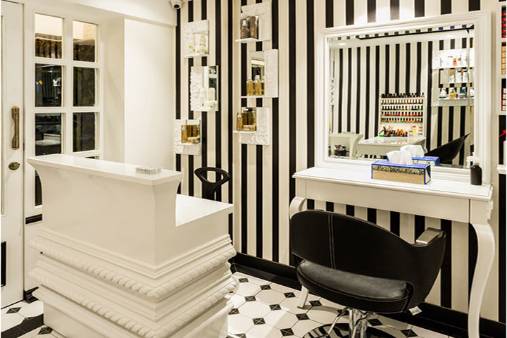 mouldings-on-counter-salon-there-she-glows-sumesshmenonassociates-indiaartndesign